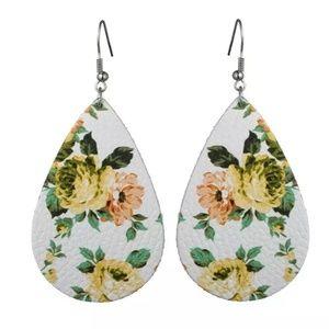 🌸3 for 30🌸 Teardrop Earrings Floral Leather